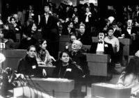 """1996 - """"Wählerisch!""""  Aktionstag für Erst- und Jungwählerinnen - 1000 junge Frauen im Landtag"""