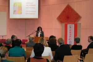 Angelika Klingel eröffnet den gesundheitspolitischen Fachtag des LFR zur HPV-Impfung - 2009 in Schwäbisch Gmünd