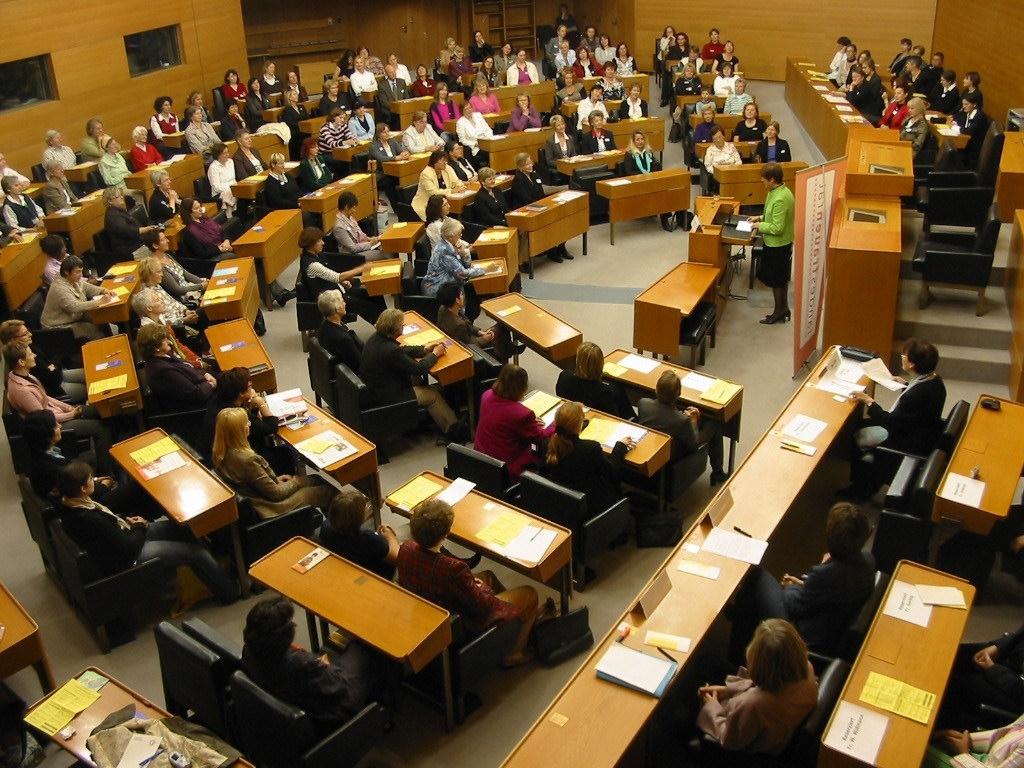 """2008 - """"Stühle frei für Frauen!"""" im Landtag"""