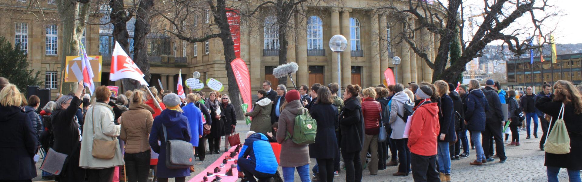 Smartmob des Landesfrauenrates am 8. März 2018 vor dem Landtag in Stuttgart